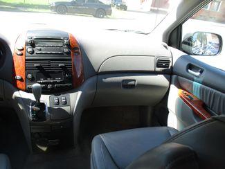 2010 Toyota Sienna XLE Milwaukee, Wisconsin 13