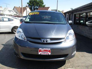 2010 Toyota Sienna XLE Milwaukee, Wisconsin 1