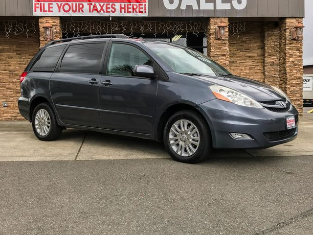 2010 Toyota Sienna XLE New Price Clean CARFAX Gray 2010 Toyota Sienna XLE AWD 5-Speed Automatic