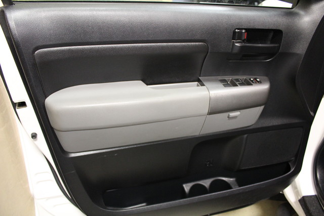 2010 Toyota Tundra Roscoe, Illinois 24