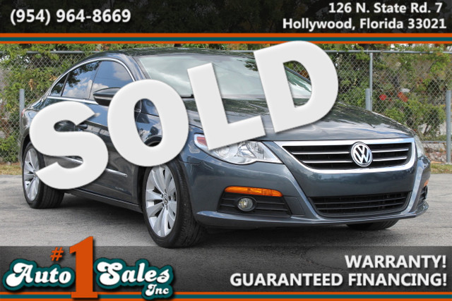 2010 Volkswagen CC Sport  WARRANTY CARFAX CERTIFIED AUTOCHECK CERTIFIED 20 SERVICE RECORDS