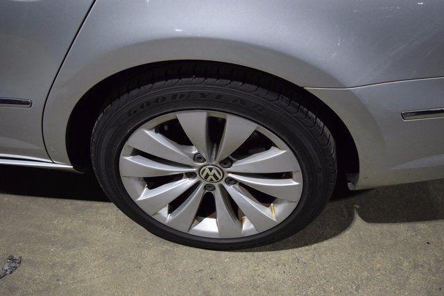 2010 Volkswagen CC Sport Richmond Hill, New York 3