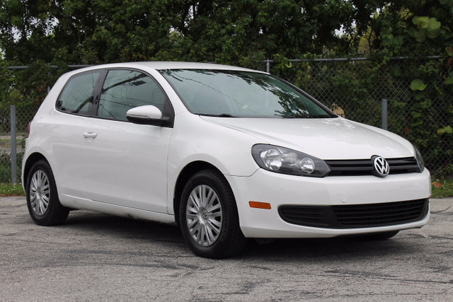 2010 Volkswagen Golf  WARRANTY 2 OWNERS 11 SERVICE RECORDS TRADES WELCOME  Stylish reli