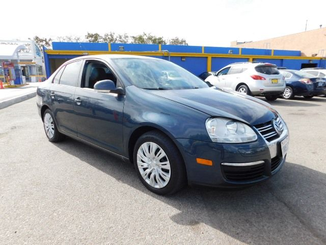 2010 Volkswagen Jetta S Limited warranty included to assure your worry-free purchase AutoCheck re