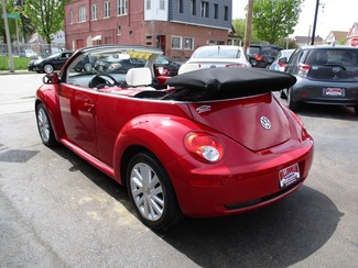 2010 Volkswagen New Beetle Milwaukee, Wisconsin 11