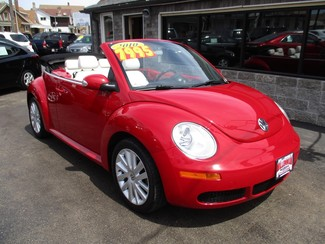 2010 Volkswagen New Beetle Milwaukee, Wisconsin 6
