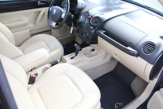 2010 Volkswagen New Beetle Santa Clarita, CA 8