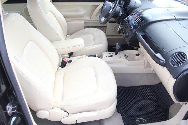 2010 Volkswagen New Beetle Santa Clarita, CA 13