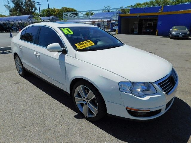 2010 Volkswagen Passat Komfort Limited warranty included to assure your worry-free purchase AutoC