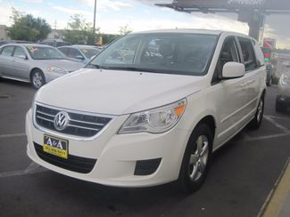 2010 Volkswagen Routan SEL w/Navigation Englewood, Colorado 1
