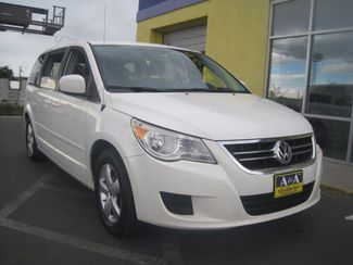 2010 Volkswagen Routan SEL w/Navigation Englewood, Colorado 3