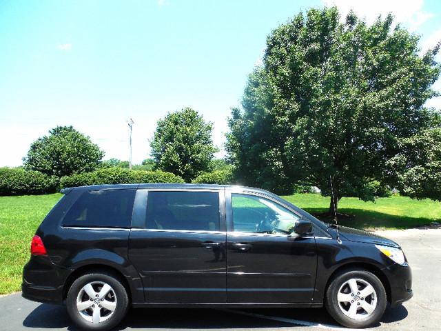 2010 Volkswagen Routan SEL w/Navigation Leesburg, Virginia 5