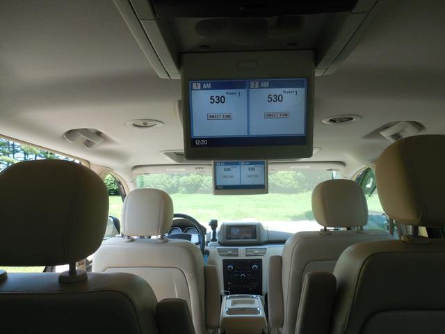2010 Volkswagen Routan SEL w/Navigation Leesburg, Virginia 13