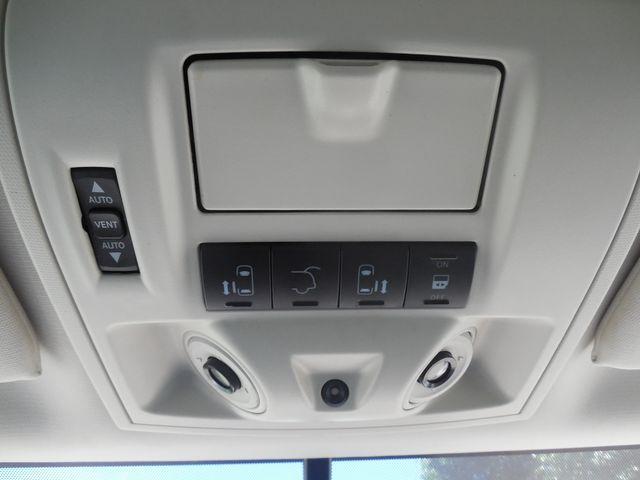2010 Volkswagen Routan SEL w/Navigation Leesburg, Virginia 31