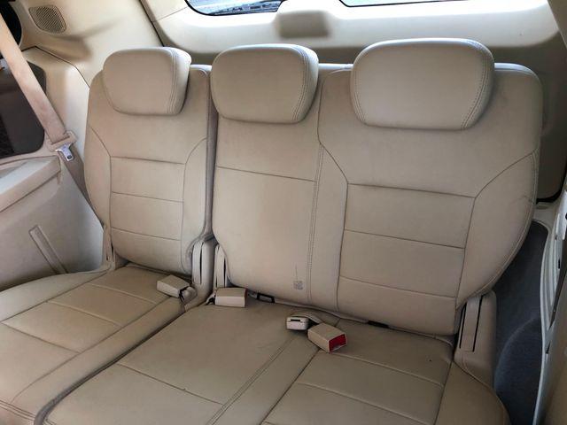 2010 Volkswagen Routan SEL w/Navigation Leesburg, Virginia 12