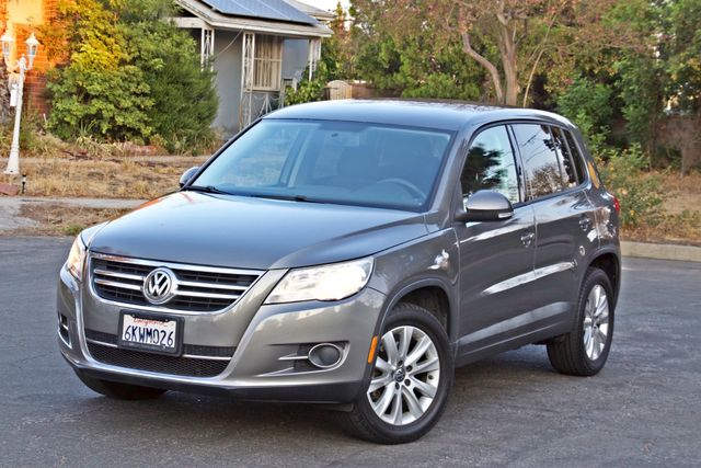 2010 Volkswagen TIGUAN S AUTOMATIC ONLY 92K MLS ALLOY WHEELS SERVICE RECORDS Woodland Hills, CA 1