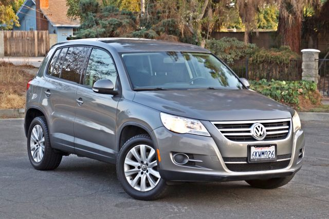 2010 Volkswagen TIGUAN S AUTOMATIC ONLY 92K MLS ALLOY WHEELS SERVICE RECORDS Woodland Hills, CA 8