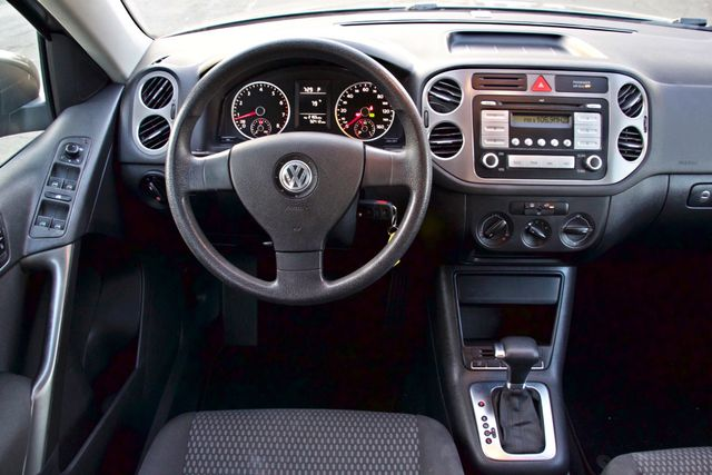 2010 Volkswagen TIGUAN S AUTOMATIC ONLY 92K MLS ALLOY WHEELS SERVICE RECORDS Woodland Hills, CA 21