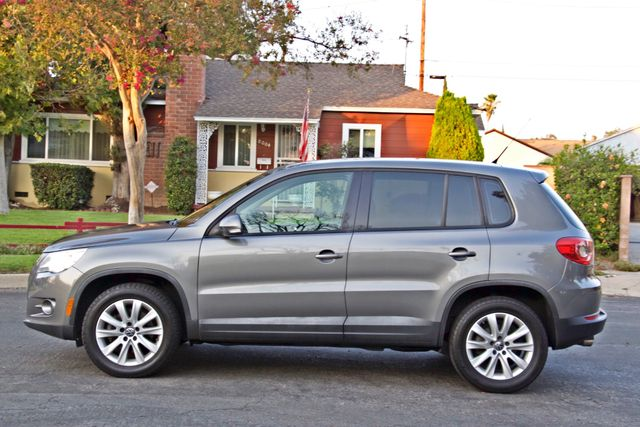 2010 Volkswagen TIGUAN S AUTOMATIC ONLY 92K MLS ALLOY WHEELS SERVICE RECORDS Woodland Hills, CA 3