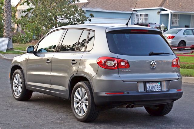 2010 Volkswagen TIGUAN S AUTOMATIC ONLY 92K MLS ALLOY WHEELS SERVICE RECORDS Woodland Hills, CA 4