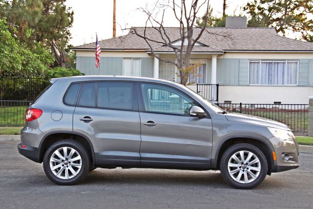 2010 Volkswagen TIGUAN S AUTOMATIC ONLY 92K MLS ALLOY WHEELS SERVICE RECORDS Woodland Hills, CA 7