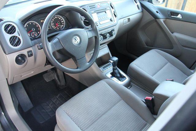 2010 Volkswagen Tiguan S Santa Clarita, CA 8