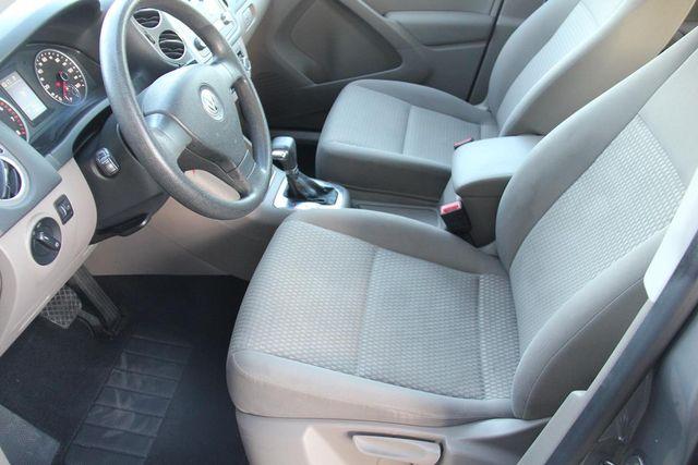 2010 Volkswagen Tiguan S Santa Clarita, CA 13