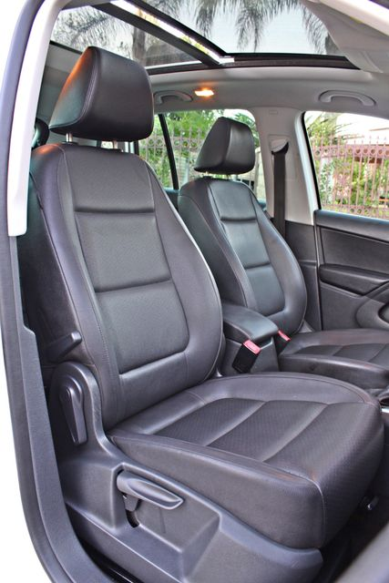 2010 Volkswagen TIGUAN WOLFSBURG LEATHER PANORAMIC ROOF SERVICE RECORDS Woodland Hills, CA 19