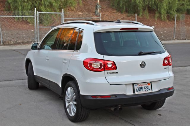 2010 Volkswagen TIGUAN WOLFSBURG LEATHER PANORAMIC ROOF SERVICE RECORDS Woodland Hills, CA 2