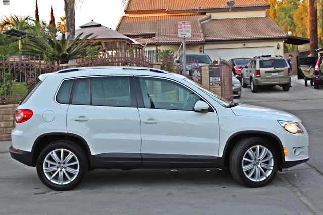 2010 Volkswagen TIGUAN WOLFSBURG LEATHER PANORAMIC ROOF SERVICE RECORDS Woodland Hills, CA 5