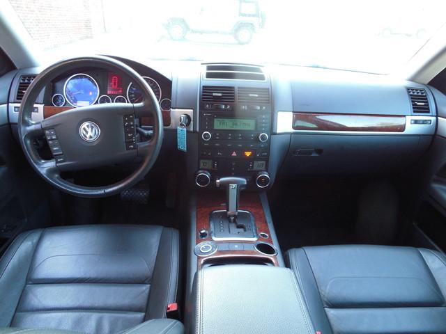 2010 Volkswagen Touareg VR6 Leesburg, Virginia 8