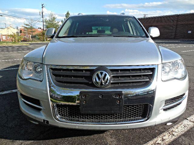 2010 Volkswagen Touareg VR6 Leesburg, Virginia 6