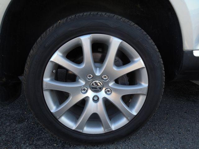 2010 Volkswagen Touareg VR6 Leesburg, Virginia 31