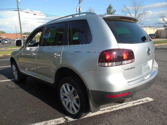 2010 Volkswagen Touareg VR6 Leesburg, Virginia 3