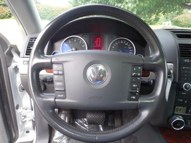 2010 Volkswagen Touareg VR6 Leesburg, Virginia 17