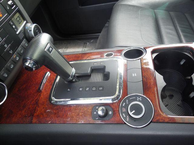2010 Volkswagen Touareg VR6 Leesburg, Virginia 25
