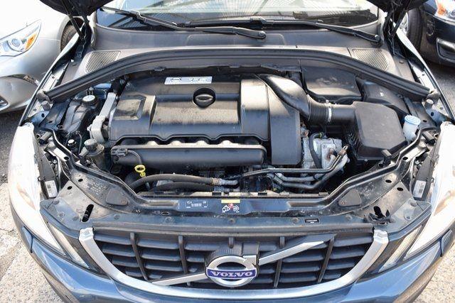 2010 Volvo XC60 T6 Richmond Hill, New York 4