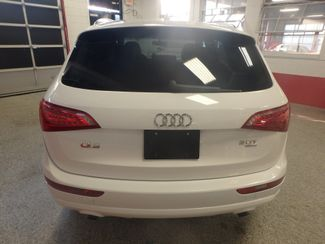 2011 Audi Q5 2.0t Premium AWD. LARGE ROOF, STUNNING & SHARP Saint Louis Park, MN 9