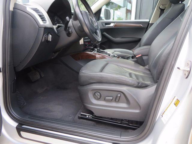 2011 Audi Q5 2.0T Premium Plus Charlotte-Matthews, North Carolina 6
