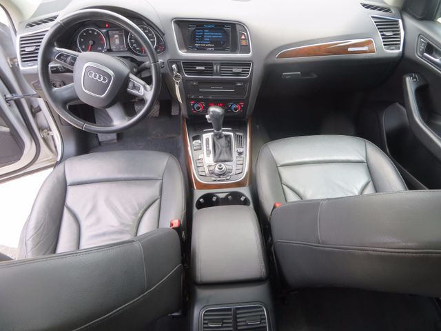 2011 Audi Q5 2.0T Premium Plus Charlotte-Matthews, North Carolina 8
