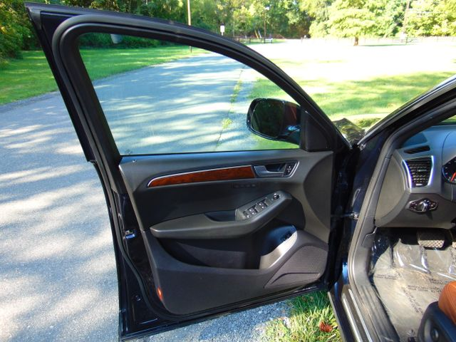 2011 Audi Q5 3.2L Premium Plus Leesburg, Virginia 13