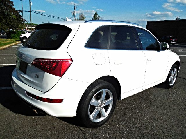 2011 Audi Q5 3.2L Premium Plus Leesburg, Virginia 2