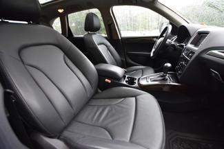 2011 Audi Q5 2.0T Premium Plus Naugatuck, Connecticut 12