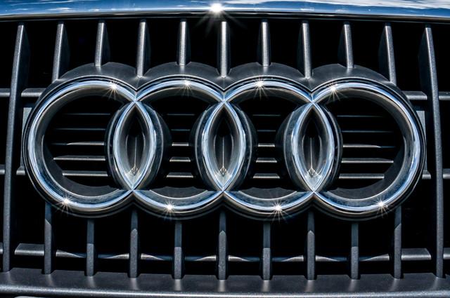 2011 Audi Q5 2.0T Premium - 62K MILES - PANORAMA - 1-OWNER Reseda, CA 48