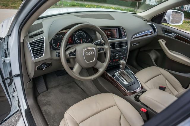 2011 Audi Q5 2.0T Premium - 62K MILES - PANORAMA - 1-OWNER Reseda, CA 14