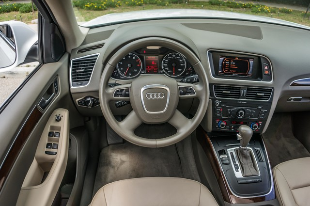 2011 Audi Q5 2.0T Premium - 62K MILES - PANORAMA - 1-OWNER Reseda, CA 19