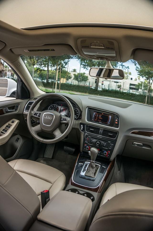 2011 Audi Q5 2.0T Premium - 62K MILES - PANORAMA - 1-OWNER Reseda, CA 34