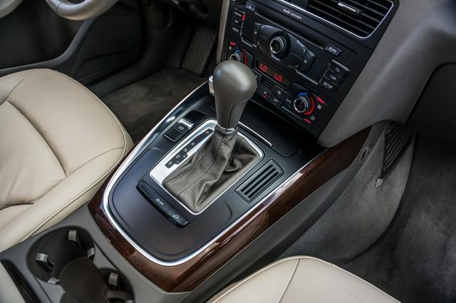 2011 Audi Q5 2.0T Premium - 62K MILES - PANORAMA - 1-OWNER Reseda, CA 26