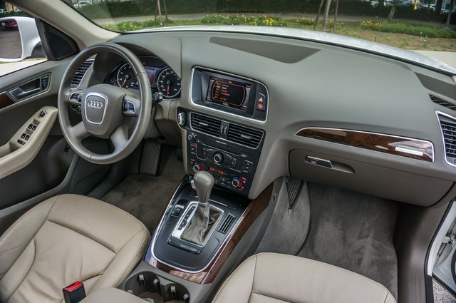 2011 Audi Q5 2.0T Premium - 62K MILES - PANORAMA - 1-OWNER Reseda, CA 33