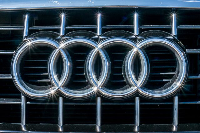 2011 Audi Q5 3.2L Prestige Reseda, CA 47